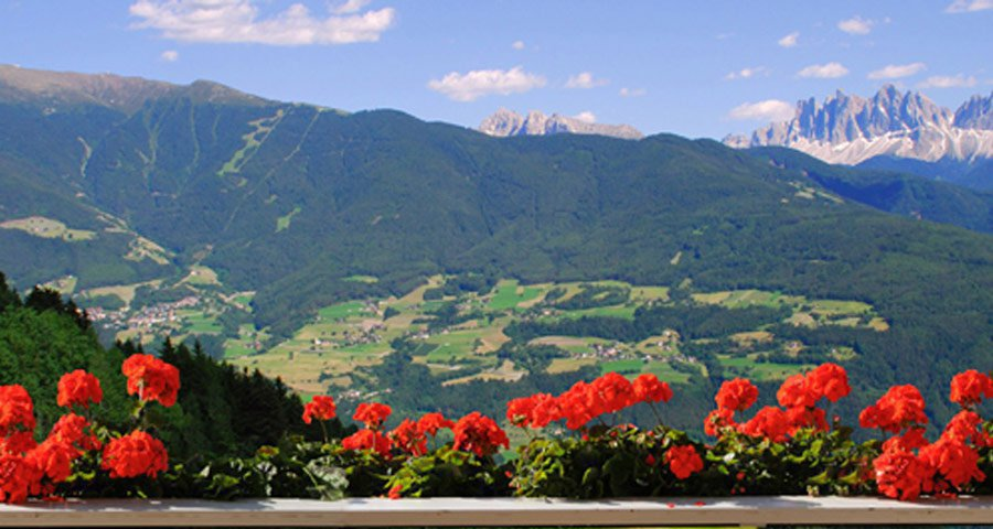 Panoramic view holiday apartment in the Dolomites