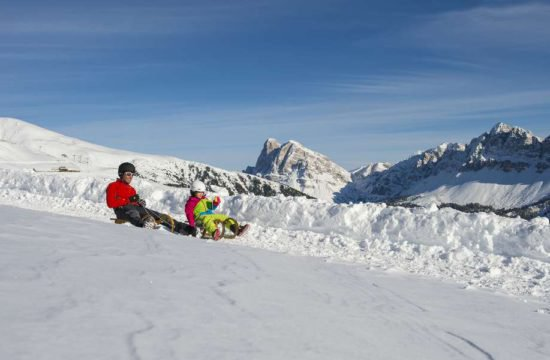 Snowshoeing, cross-country skiing and tobogganing